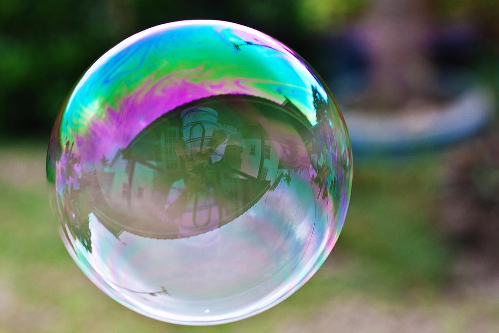Investors dumping Metro Vancouver homes at a loss as bubble bursts
